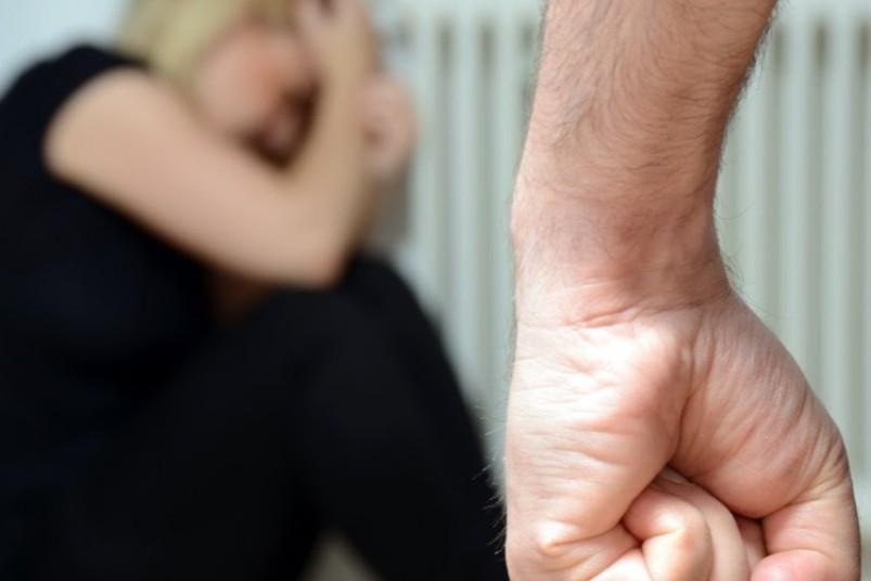 Как уйти от мужа агрессора