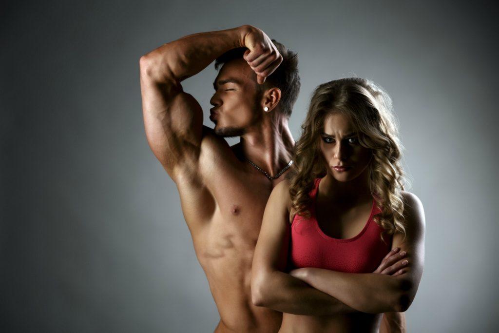 Вредные привычки мужчин, которые бесят женщин